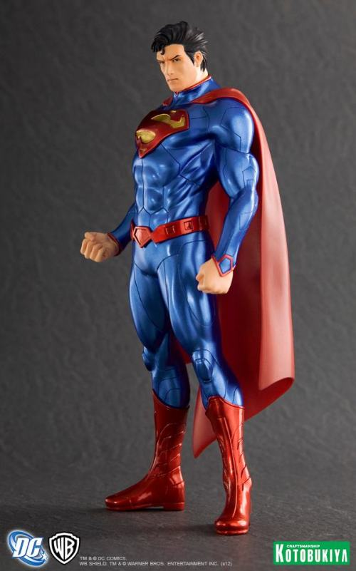 Kotobukiya-ArtFX-New-52-Superman-1