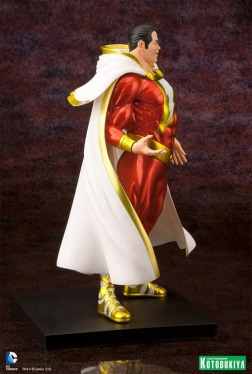 shazam-new-52-artfx-plus-statue-05
