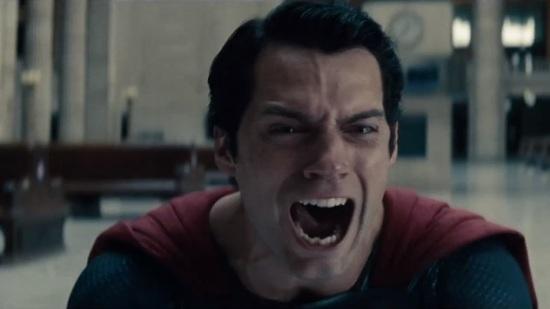 Homem-de-Aço-General-Zod-toca-o-terror-no-novo-trailer-do-filme
