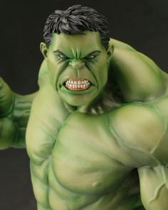 Avengers-Now-ArtFX-Hulk-Kotobukiya-Statue-Close-Up-e1377880858876-720x904