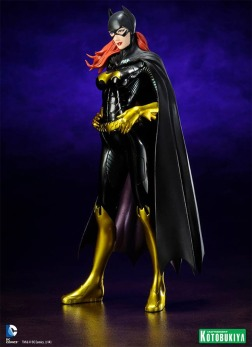 Estatua-Batgirl-New-52-ArtFX-02