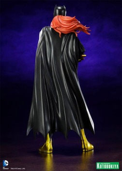 Estatua-Batgirl-New-52-ArtFX-04