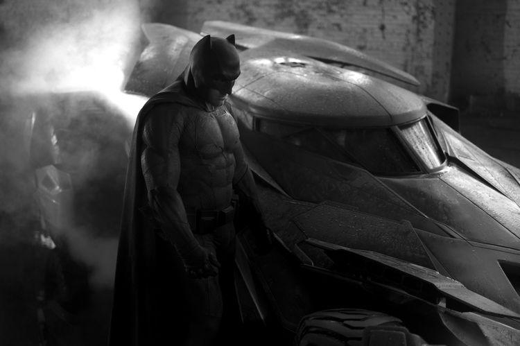 BATMAN vs SUPERMAN: VEJA O VISUAL DO BATAFFLECK!!! | Vambebe